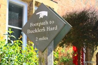 указатель на Buckler's Hard