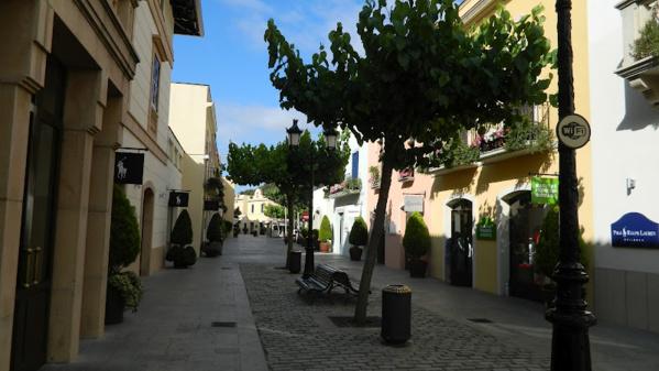 La Roca Village шоппинг в Барселоне