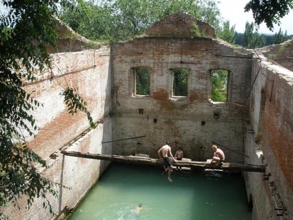 Бассейн в Парамоновых складах