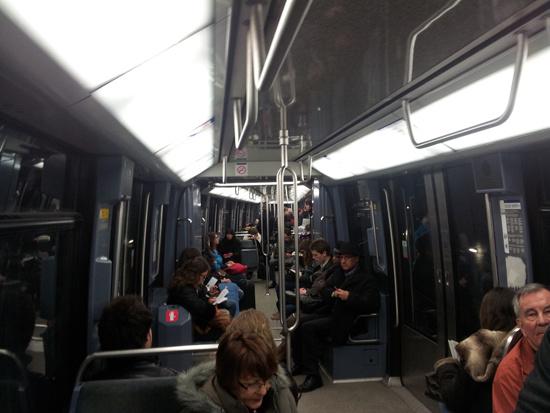 В вагоне парижского метро