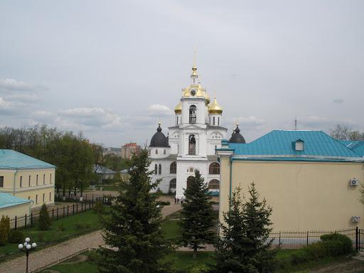 Вид на постройки Дмитровского кремля