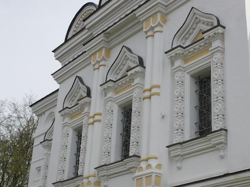 Резные окна Елизаветинской тюремной церкви