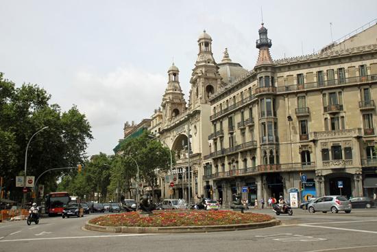 Барселона.Центральнаяплощадь
