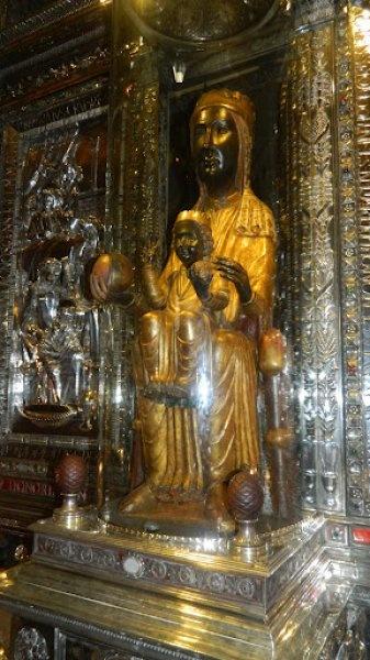 Скульптура Черной Мадонны, La Morenetta