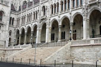 Елементы архитектуры Парламента в Будапеште
