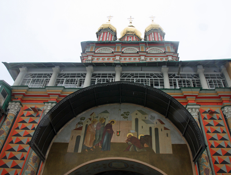 Церкви на территории Лавры
