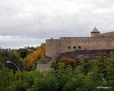 Вид на Ивангородскую крепость