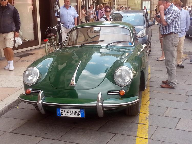 Ретро машина в Вероне