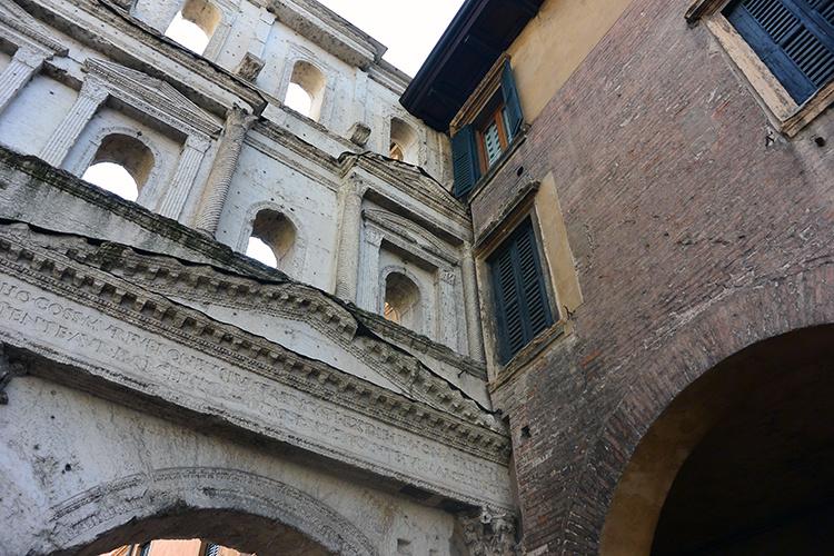 Порто Борсари Верона Италия