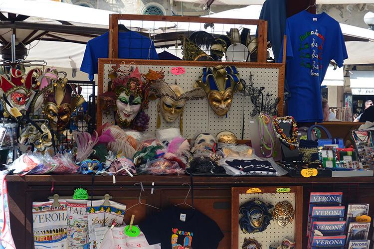 Сувениры в Вероне