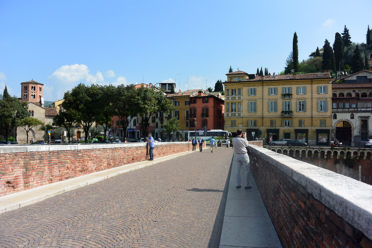 Мост Пьетра Верона Италия