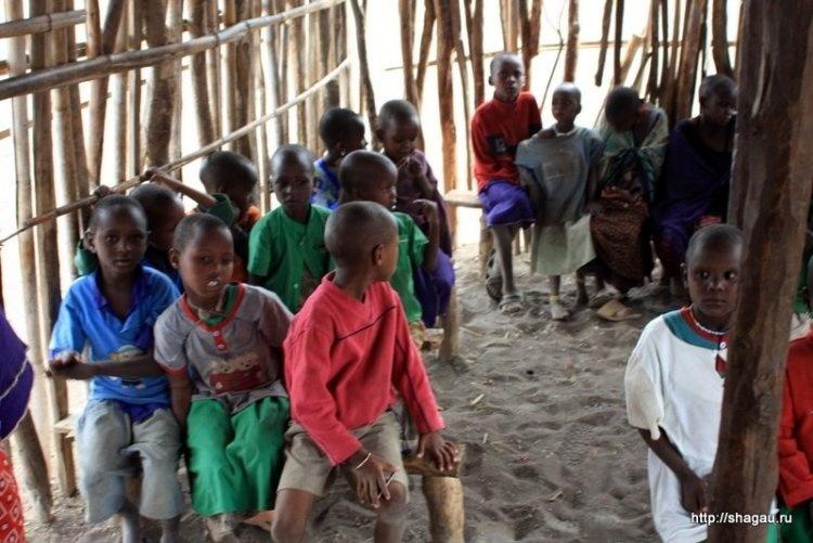 Школа в деревне масаи, Танзания