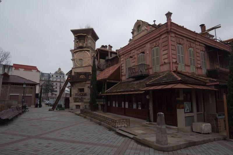 Виды утреннего Тбилиси