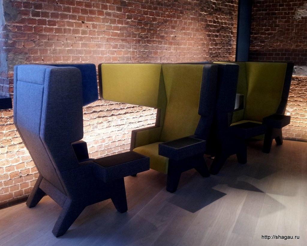 Кубические кресла в кафе ЦДК