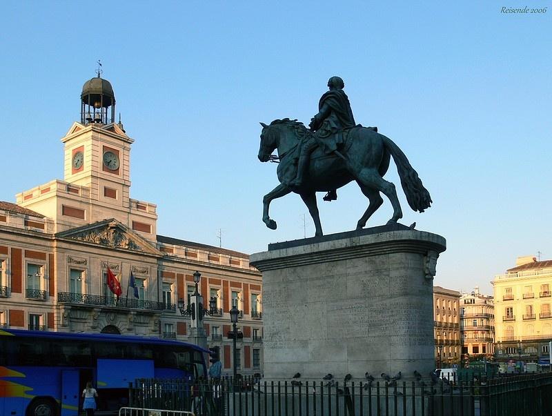 Мадрид , Puerta del Sol. Carlos III