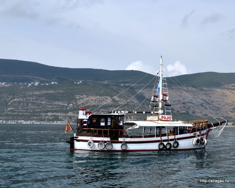 Лодка Pajo, Черногория