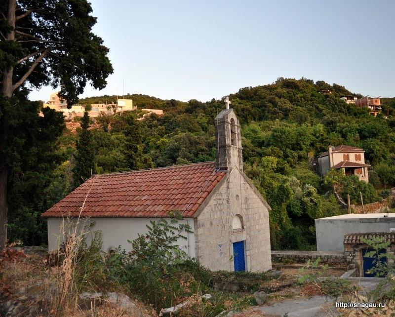 Церковь Святой троицы, Роса