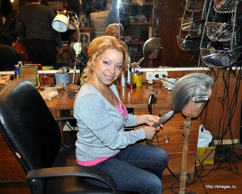 Вот такие красотки делают парики в театре Маяковского