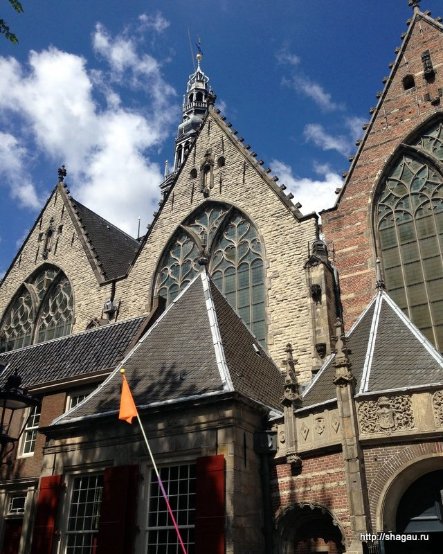 Церковь De Oude Kerk (The Old Church)