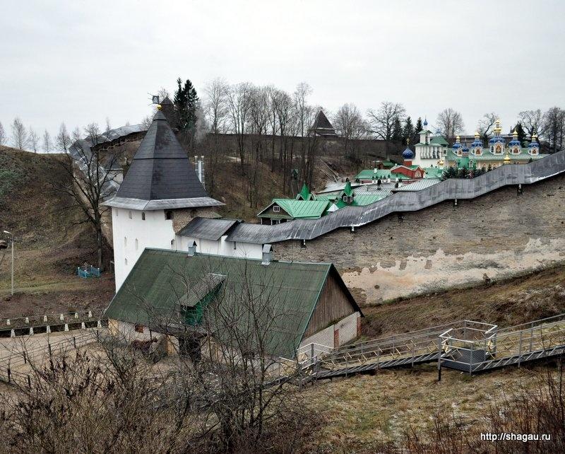 Вид на Печерский монастырь со смотровой площадки