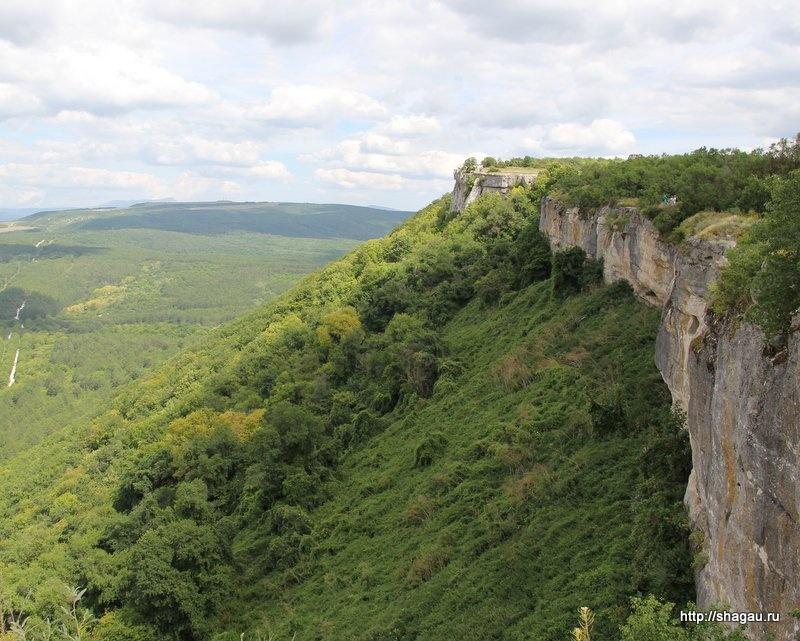 Неприступные скалы Чуфут-Кале
