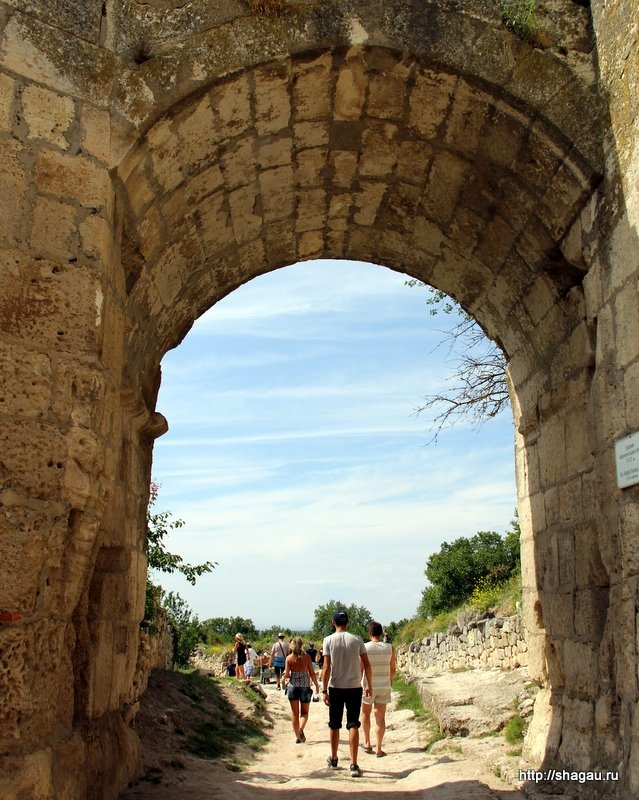 Арочные ворота Чуфут кале