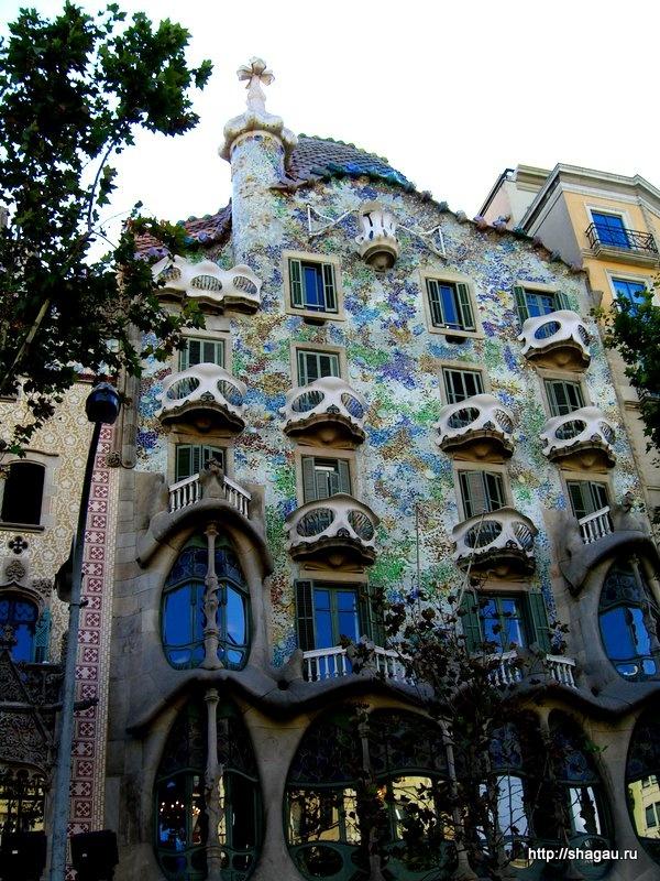 Дом Батло в Барселоне