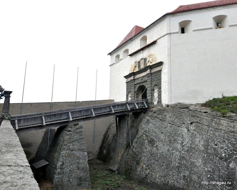 Ров к замку