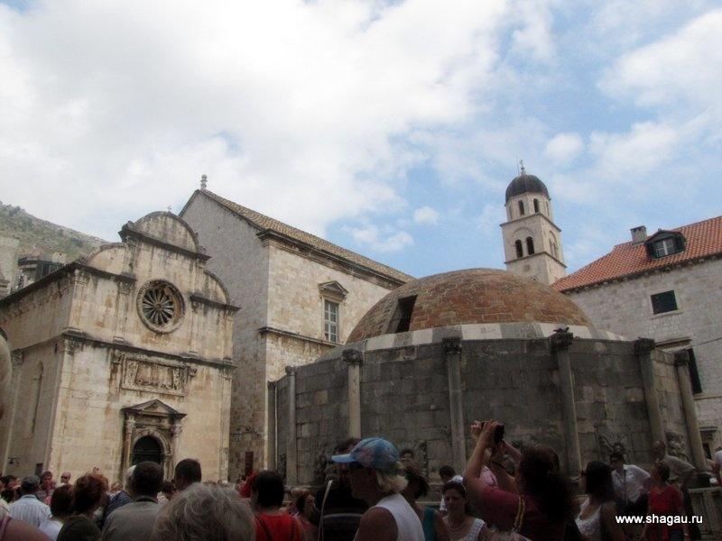 Вход в Старый Дубровни