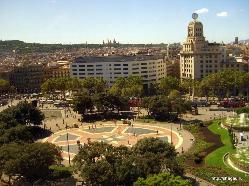 Вид на площадь из торгового центра