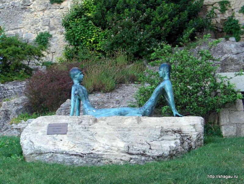 Скульптура Пловцы