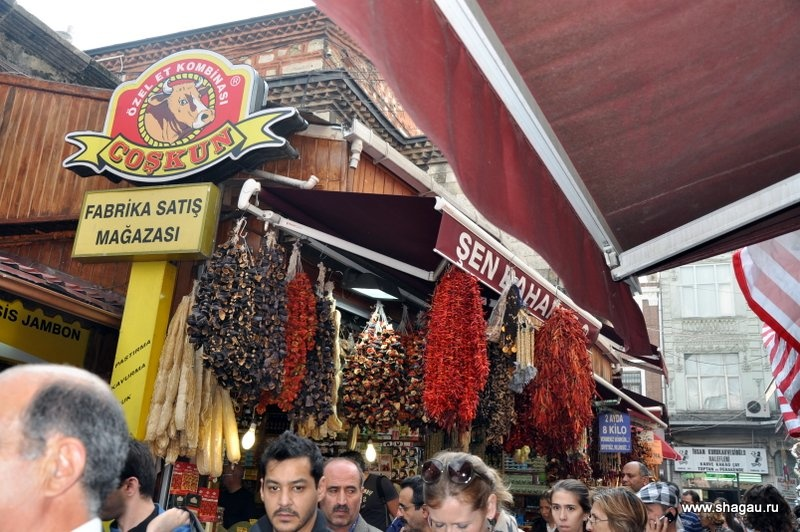 Специи на рынке Стамбула