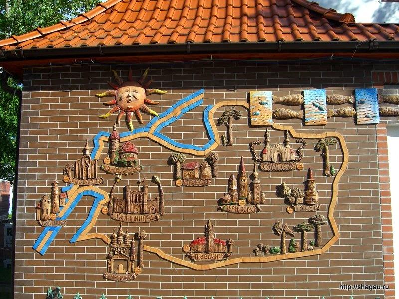 Схема Калининградской области на стене