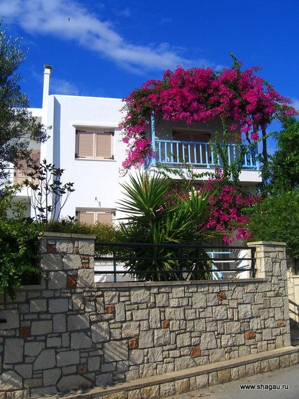В таких домиках живут греки