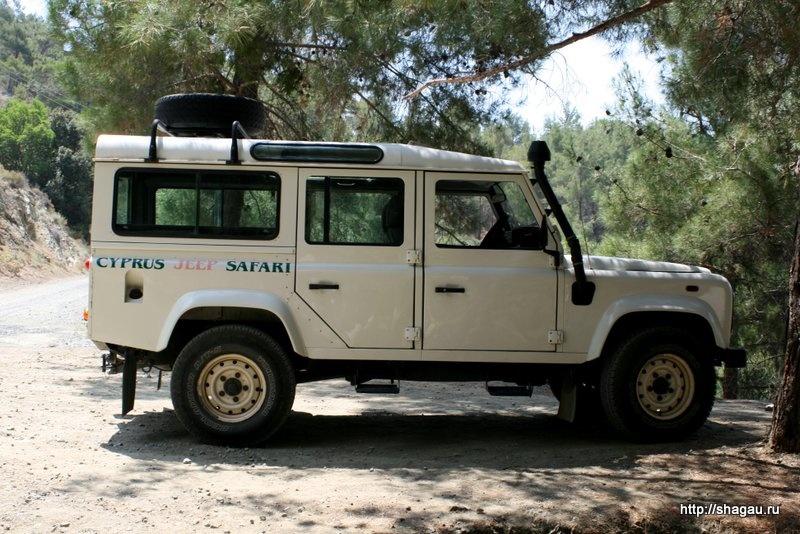 НА такой машинке мы ездили по Кипру