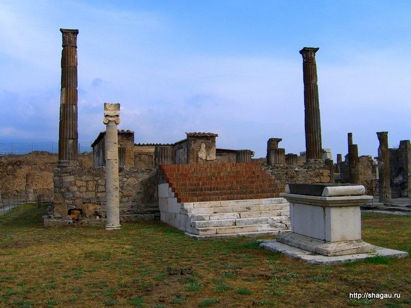 Храм Апполона в городе Помпеи