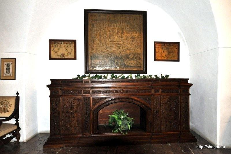 Старинная мебель в замке Херберштайн