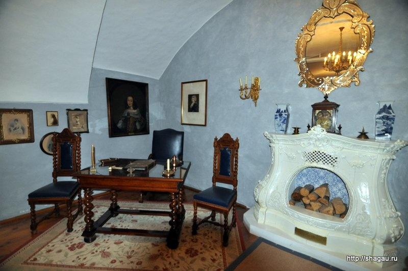 В голубой гостиной замка Херберштайн