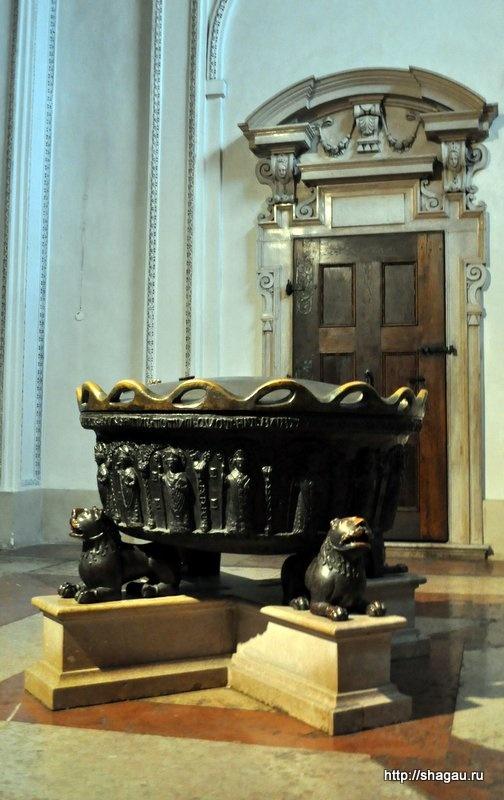 Купель в соборе