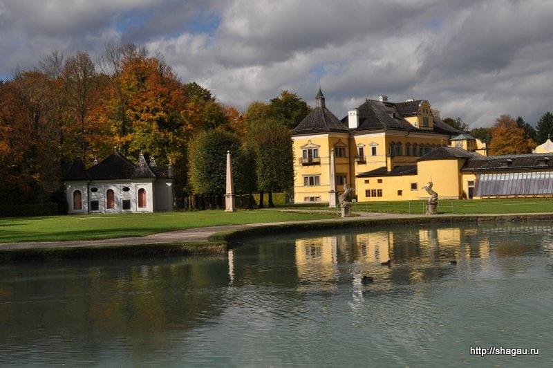 В парке дворца Хельбрунн