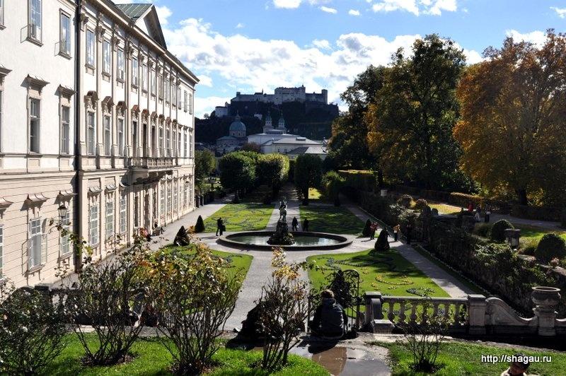 Парк и дворец Мирабель