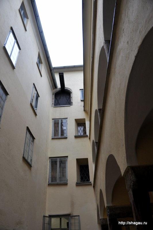 Внутренний дворик в доме Моцарта