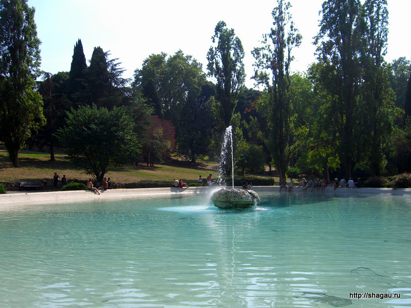 Рим. Фонтан в парке Боргезе