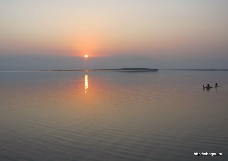 Израиль. Мертвое море на рассвете