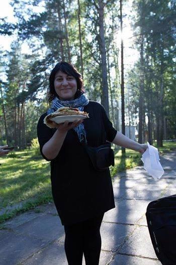 Нина Резник в образе эко-туриста