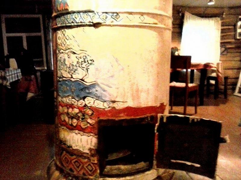 Оригинальная печь в деревне
