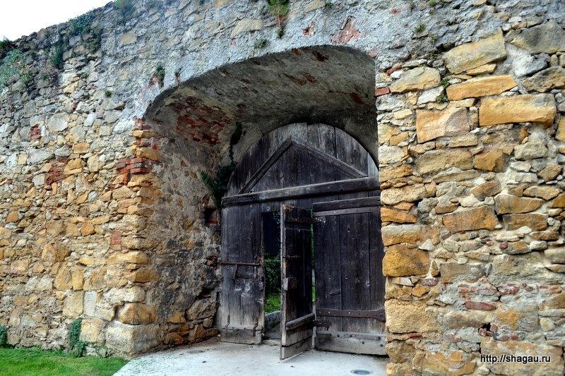 Хартберг. Древние стены и ворота