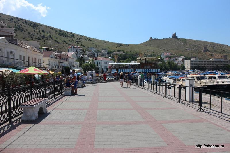 Крым. Центральная набережная Балаклавы