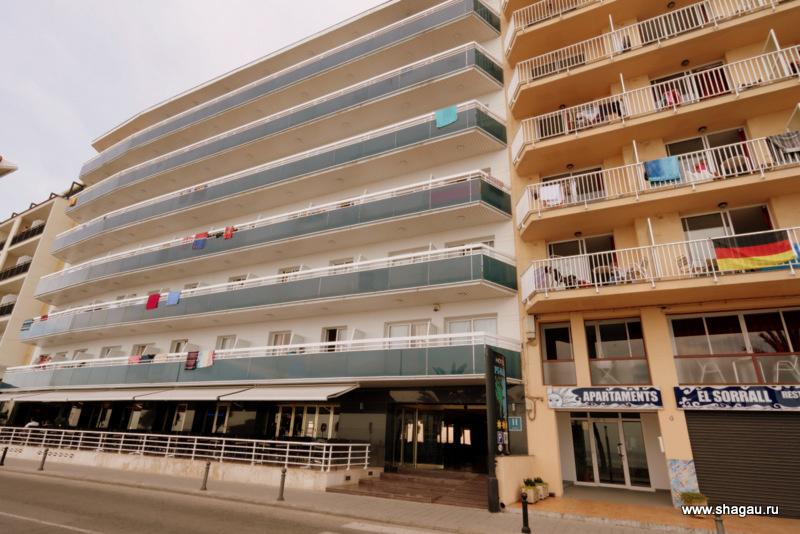 Фасад отеля Pi Mar & Spa