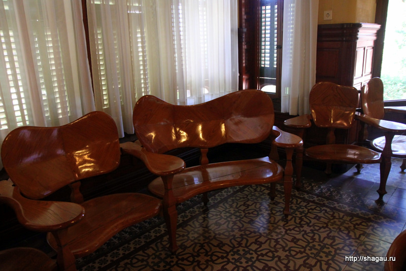 Мебель в музее Гауди